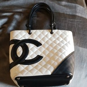 CHANEL BUCKET TOTE AUTHENTIC